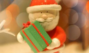 7528afe64a34caa5dcc8426e416419ee 301x180 - セリアクリスマスグッズ2016!! 百均の可愛いテーブルクロス、オーナメントなど♡手作りにも。